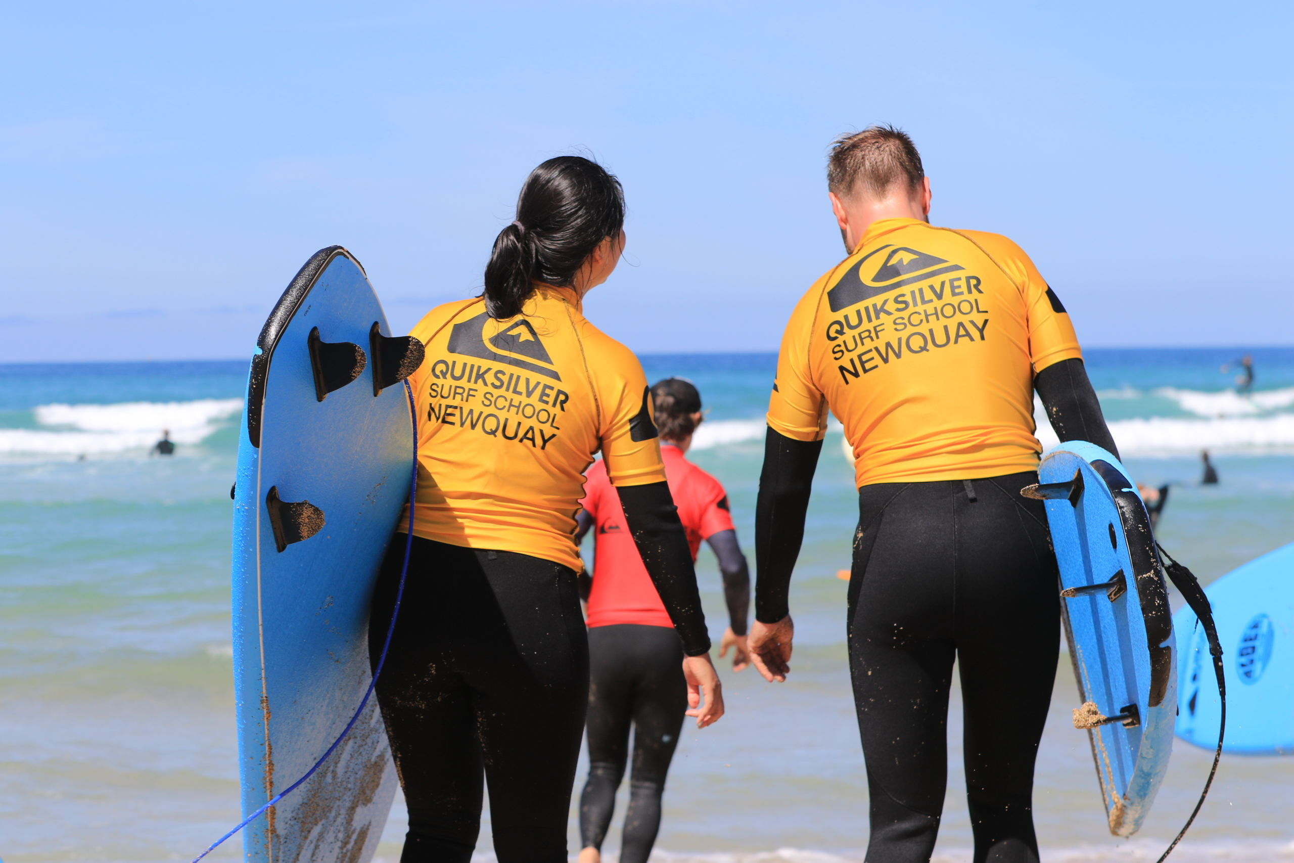 beginner surf lessons newquay